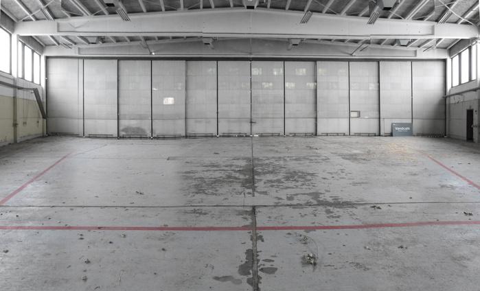 Et natur og formidlingscenter p en tidligere milit r for Porte hangar